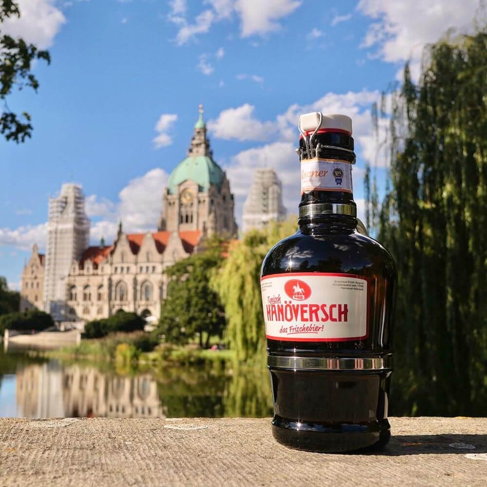 Unser Bier vor dem Neuen Rathaus Hannover