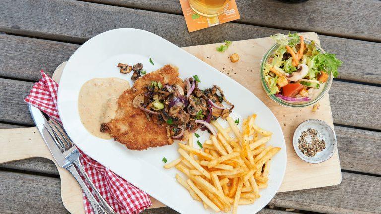 Schnitzel im Restaurant, Hannover